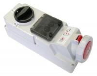 Розетка с выключателем для монтажа на поверхность IP67 78242-3